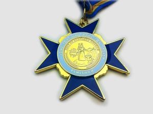 2013-portland-marathon-medal-back