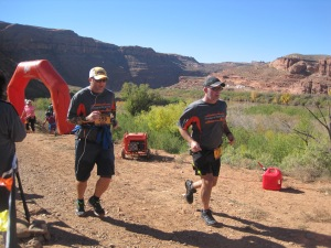 moab-trail-half-marathon-finish-02