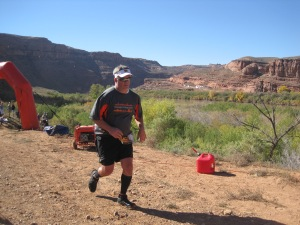 moab-trail-half-marathon-finish-03