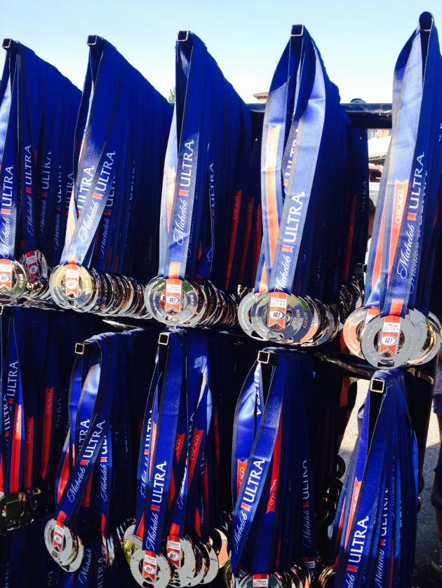 2014-131-marathon-chicago-medals