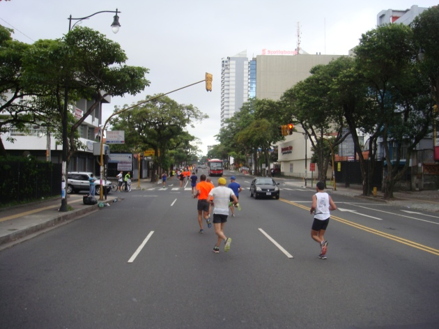 15k: Paseo Colón points a straight line toward La Sabana and the finish line